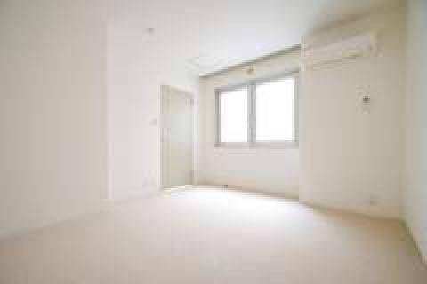 明るい雰囲気のリビングルームです