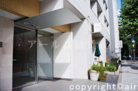 神谷町駅から徒歩2分(外観)
