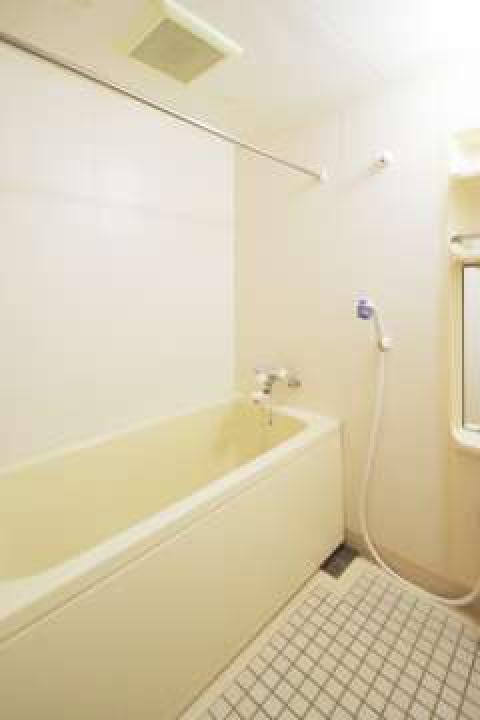 バストイレ別で清潔感のある水回り