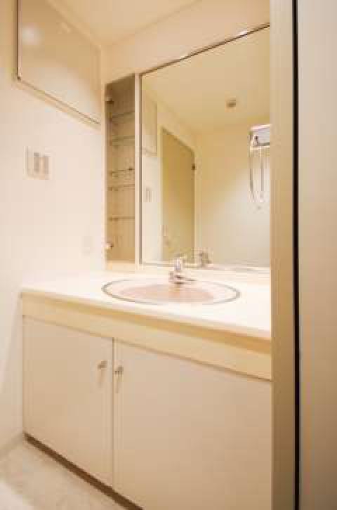 使い勝手に拘った独立洗面台です。